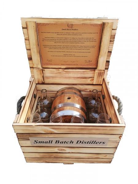 Whisky gave sæt, med newmake råsprit og tønde